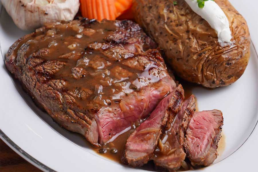 EL TORO Steakhouse Rib Eye with sauce